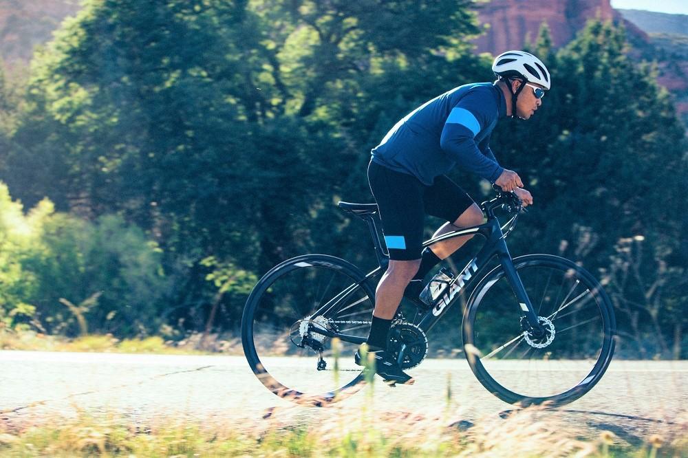 hinhanh/tintuc/Giant-Fastroad---Trai-nghiem-toc-do-vuot-troi-cua-Fitness-bike.jpg